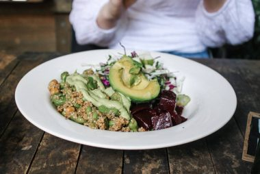 Tallrik med vegansk kost
